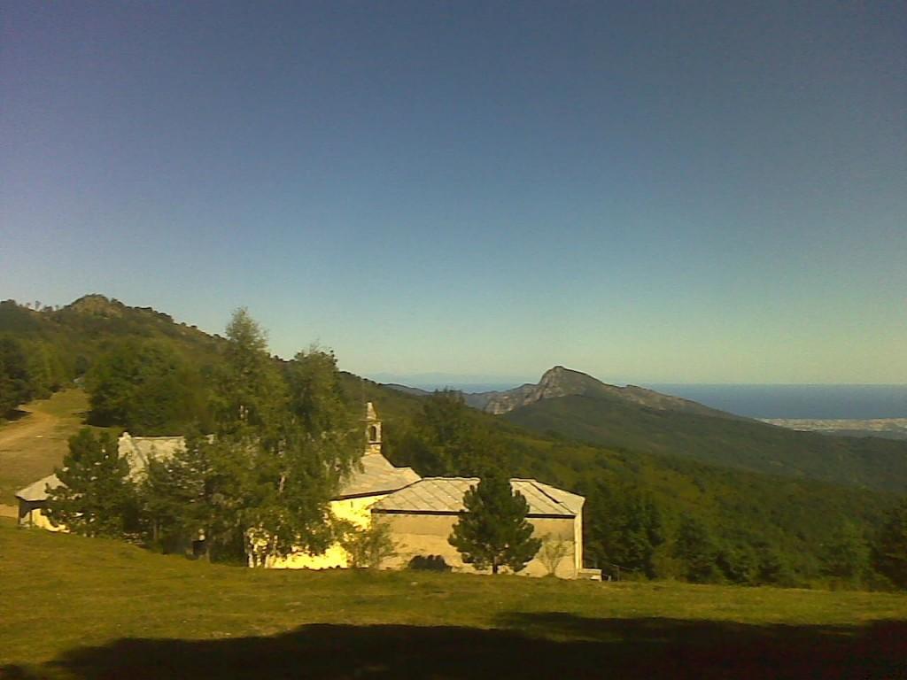 L'ermitage de Frère Toussaint et le Sanctuaire des saints Côme et Damien.
